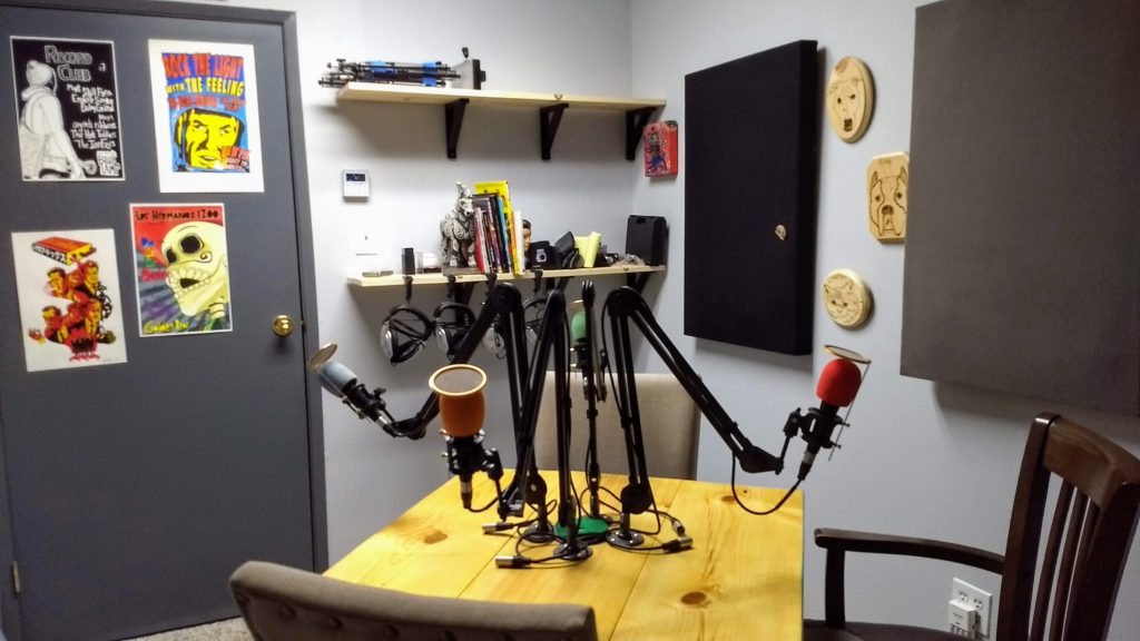 Podcast Studio, Flores Podcast Consulting,